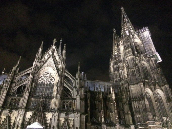 I had the pleasure of being hosted by #mydanishintern in her lovely new apartment in Cologne. The photo shows Cologne's most famous landmark, the impressiv cathedral