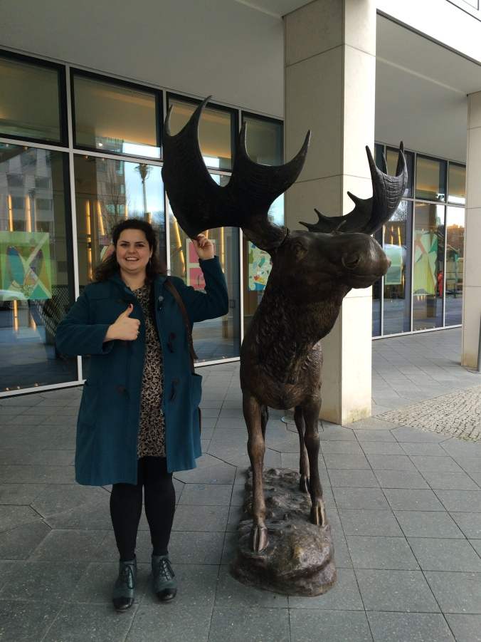 We found an elk in Berlin and I played a Nordic Talker for the photo